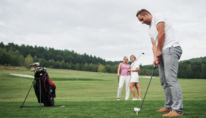 Tự học đánh Golf đúng kỹ thuật cho người mới nhập môn
